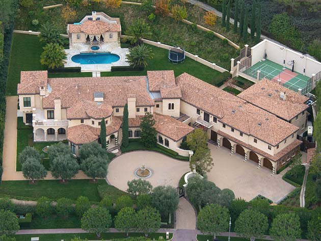 Ways Celebrities Use Landscape Design to Maximize Their Privacy