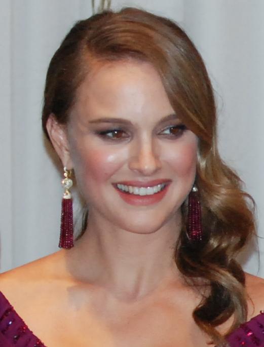 Natalie_Portman_(83rd_Academy_Awards)_cropped
