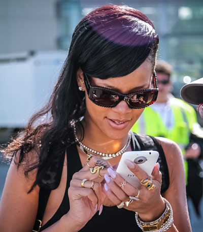 Rihanna-and-HTC-One-X1